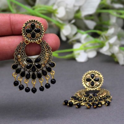 BB Trendz Black Color Glass Stone Oxidised Earrings